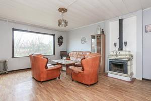 Ett av rummen i huset. Foto: Länsförsäkringar fastighetsförmedling.