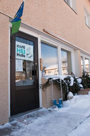 Språkcaféet i Backe. Här har man öppnat upp för de anhöriga och för de som behöver stöd.