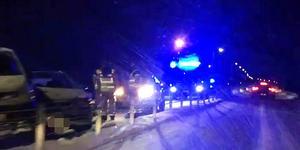 En trafikolycka har inträffat på E4 på torsdagsmorgonen. Nu har trafiken släppts på igen.