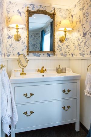 Det helt nya badrummet har en känsla av 1700-tal.
