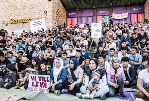 Ensamkommande asylsökande manifesterade på Medborgarplatsen i Stockholm för att stoppa utvisningarna till Afghanistan.  Foto: Lars Pehrson / SvD / TT