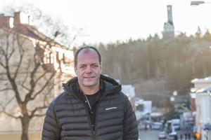 John-Erik Jansson (C), kommunalråd i Söderhamn, stödjer partiets krav på att generaldirektören och ledningen byts ut.