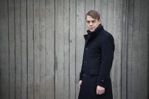 Deckarförfattaren och kriminologen Christoffer Carlsson har skrivit sin mest personliga bok hittills.Jessica Gow/TT