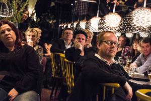 Även Bo Sundström från Bo Kaspers orkester lyssnade till kvällens uppträdande på q.bar.
