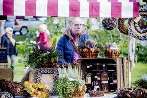 Floristen Stina Thelberg, fröken Kotte, sålde kransar och andra vackra kreationer.