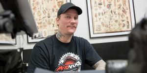 Daniel Boije är en av de två första tatuerarna i världen som har gått utbildningen för att bli mästare.