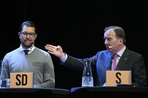 Med passivt stöd av Jimmy Åkesson och Sverigedemokraterna skulle Stefan Löfven och Socialdemokraterna kunna bilda en enpartiregering, om gävleborgarna fick bestämma. Foto: Erik Mårtensson / TT
