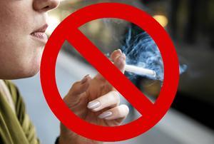 Från och med första juli är det förbjudet att röka på många platser, däremot inte på balkonger.