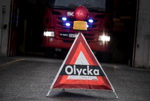 Räddningsstyrkan i Mullsjö larmades om lastbilsolyckan.