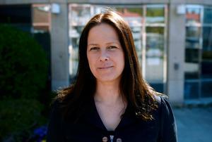 Heidi Jacobsen (V) säger att partiet inte har hunnit diskutera frågan ännu.