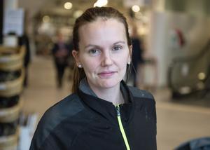 Elin Hagberg, 28, föräldraledig, Alnö