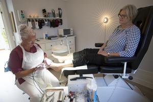 Anne Sandberg har fått fotvård hos Annika Svensson i ett år, var åttonde vecka är hon i den gula villan på Täppgatan.