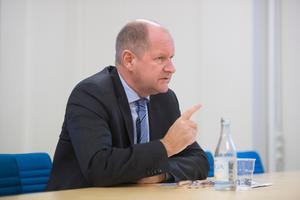 Det är bra Dan Eliasson får lämna posten som rikspolischef, mindre bra är att han nu ska ta över Myndigheten för samhällsskydd och beredskap.  Bild: Fredrik Sandberg/TT