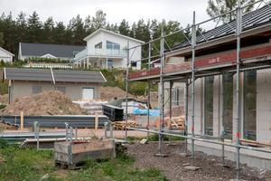 Hallstahammar har efter en längre tid av obefintligt nybyggande sett flera villaområden växa fram på senare år. Förra hösten skrev vi om Gröndal, vid Skantzsjön, där det byggs nya villor. (Arkiv).