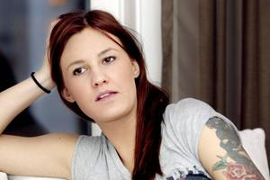 Andrea Lundqvist uppträdde till förmån för Juliaresan.