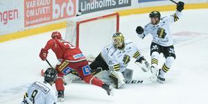 Att ta sig till farliga offensiva ytor är en av Petterssons allra största styrkor menar Björn Hellkvist.