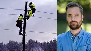 Jonatan Björck vid Ellevio håller kontakten med reparatörerna på fältet. Montage: TT/Ellevio/Fredrik Karlsson.