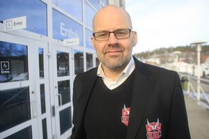 Fredrik Jönsson, marknadsansvarig i Hudiksvalls HC, ser bara positivt på huvudsponsorns utökade engagemang i Gävle och Brynäs.
