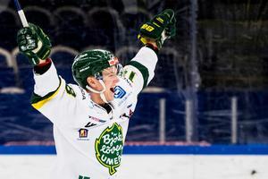 Jubla – det har Axel Ottosson fått göra mycket denna säsong. Han ligger nia i den totala poängligan. Foto: Petter Arvidson / BILDBYRŁN.