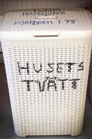 I huset finns en gemensam tvättstuga.