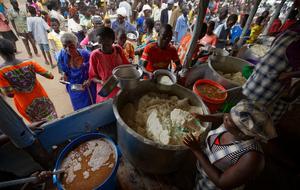 Flyktingarna förväntas bli många fler. Bilden från ett flyktingläger i Uganda.Foto: AP/TT