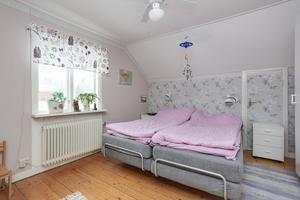 Sovrum. Foto: Länsförsäkringar Fastighetsförmedling Arboga