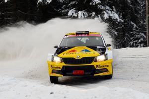 Martin Berglund kör sin Skoda Fabia R5 i VM-debuten. FOTO: emotorsport.se