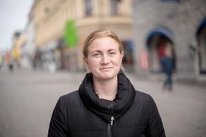 Elsa Hamrin, Norum– Jag har plockat. Vi gav oss ut i snön på gården och plockade. Vi bor på landet så jag har aldrig tänkt på att det kan vara olagligt.
