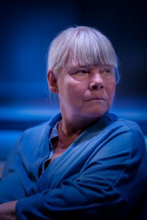 Anki Larsson spelar den ensamma västeråsaren Elisabeth i