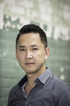 Viet Thanh Nguyen har hyllats för sina skildringar av vietnamesiska flyktingars erfarenheter. Bild: Bebe Jacobs