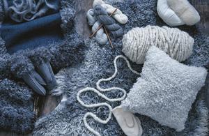 Den svenska ullen är en resurs som i dagsläget inte tas tillvara fullt ut, menar Ernst Kirchsteiger. Foto: Helén Pe