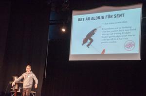 Robin Andersson Nyberg från Friskis och Svettis föreläste om vikten av fysisk och mental träning när människan blir äldre.