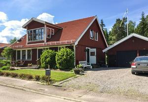 Sexrumsvilla på Knopvägen 18 i Ornäs. Foto: Patrik Persson