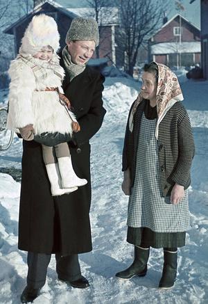 Backa Erik Eriksson med dottern Karin och mamma Mångs Anna. Foto: Gerd Backa Eriksson