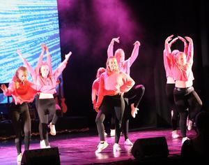 Kulturskolans många dansare dominerade kvällen.