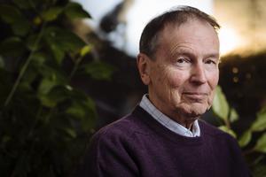 """Göran Sonnevi har gett Kristian Lundberg årets läsupplevelse med""""Det osynliga motstyckets bok"""" (Albert Bonniers förlag)."""