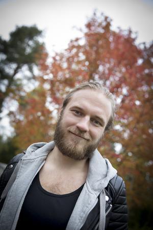 Jesper Lindgren, gitarrist i Velvet Insane