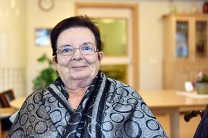Birgit Sjöström följde vintersport på tv när tidningen kom på besök.