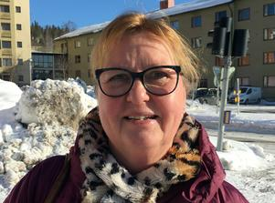 Ewa Bergström, ålder okänd, bokhandlare, Alnö