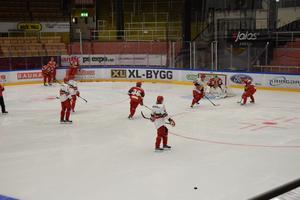 Det bjöds även på internmatch mellan lag vit och lag röd.