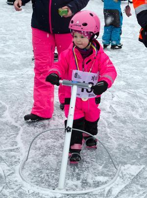 När det handlar om aktivitet på is spelar åldern ingen roll.