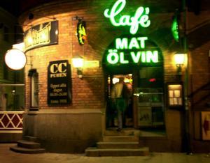 CC-puben anno 2001.  Då var inte ingången på hörnet som det är idag.
