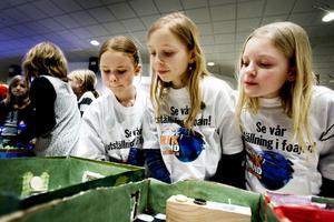 Matilda Rosvall, Marta Nilsson och Liza Larsson från klass 4 B på Sofiedalskolan hade i förra årets tävling konstruerat ett framtidshem med rullband som man kan ta sig runt mellan de olika rummen med.