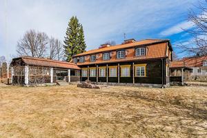 Ett av Faluns mest mytomspunna hus till salu.