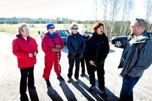 Birgitta Strandlund, Margareta Grahn, Barbro Hjelm, Gunvor Svensson och Gunilla Eriksson blir inte förvånade över utmärkelsen. De berättar för kommunens fritidschef Anders Uddén att de bor i den finaste och härligaste staden.