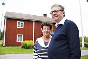 Eva och Hans-Olof Andersson är sjunde generationen på den gamla släktgården utanför Storvik som är så extremt välbevarad att det är som att resa tillbaka i tiden att kliva in där.