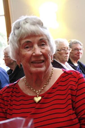 Margit Melin, som faktiskt hunnit bli 91 år, var med och jubilerade i Bergsjögården.