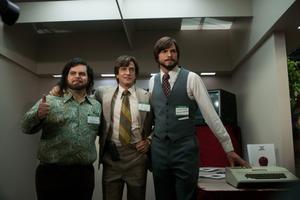 Männen bakom Apple: Steve Wozniak (Josh Gad), Mike Markkula (Dermot Mulroney) och Steve Jobs (Ashton Kutcher). I filmen