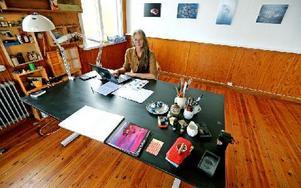 Cordelia von Klot-Heydenfeldt äger en dator som hon använder i sitt arbete och för vardagsärenden. Foto: Johnny Fredborg