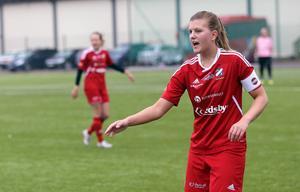 Evelina Eklund, lagkapten i Edsbyn.